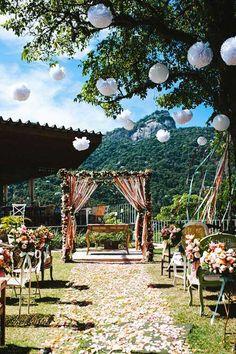13 Romantic Backyard Wedding Decor Ideas On a Budget Wedding Ceremony Ideas, Outdoor Ceremony, Wedding Venues, Altar Wedding, Wedding Bells, Garden Wedding, Diy Wedding, Rustic Wedding, Dream Wedding