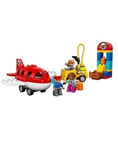 A great addition to any DUPLO® collection, your little one can get ready for take-off at the LEGO® DUPLO® Airport!
