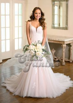 6973 - This stunning trumpet wedding dress from Stella York, perfect for a modern btide, features a deep sweetheart neckline and a full lace bodice. Lace Wedding Dress, Wedding Dress Trends, Bridal Dresses, Stella York, Beauty Hacks Skincare, Modern Love, Lace Bodice, Bridal Style, Fit And Flare