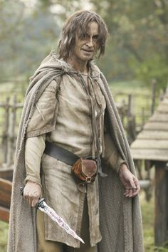 Once Upon A Time.Robert Carlyle as Rumplestiltskin, Mr. Gold, The Dark One Best Tv Shows, Best Shows Ever, Favorite Tv Shows, Once Upon A Time, Movies Showing, Movies And Tv Shows, Renaissance, The Dark One, Time News