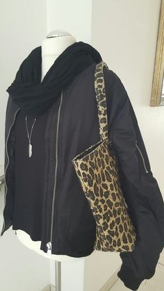 Top Shop Übergangsjacke 44 Zara, Bomber Jacket, Tops, Fashion, Reach In Closet, Fashion Women, Jackets, Kleding, Moda