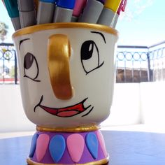 DIY Easter Bunny Planters Made From Upcycled Pop Bottles Diy Crafts For Gifts, Diy Home Crafts, Diy Arts And Crafts, Crafts To Do, Crafts For Kids, Paper Crafts, Disney Diy, Disney Crafts, Beauty And Beast Birthday