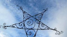 Spiraled Barbed Wire Star Garden Decoration or Trellis