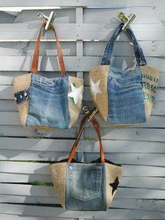 Jeans upcycling shopper www quiltfriend de Denim Patchwork, Patchwork Bags, Denim Handbags, Denim Purse, Denim Bags From Jeans, Denim Crafts, Upcycled Crafts, Denim Ideas, Recycle Jeans