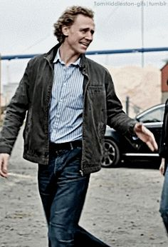 I know he is amazing in a suit, but sometimes just the casual jeans look is astounding on him. yummy!!!