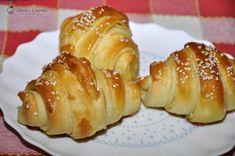 Cornuri aperitiv cu cascaval — Alina's Cuisine Bread Recipes, Cooking Recipes, Croissant, Baked Potato, Sushi, French Toast, Food And Drink, Breakfast, Ethnic Recipes