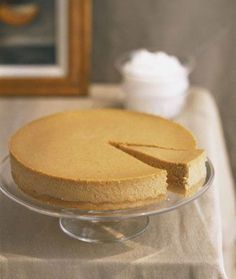 Make this delicious low-calorie greek yogurt pumpkin cheesecake for a sweet treat!
