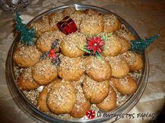 Μελομακάρονα με πλούσιο άρωμα Greek Desserts, Greek Recipes, Greek Cake, Christmas Cookies, Muffin, Food And Drink, Sweets, Sweet Stuff, Breakfast