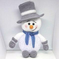 De 10 leukste én GRATIS Kerst haakpatronen | Haakpatroon | Sneeuwpop met lichtbol | haken | gratis patroon | https://yoo.rs/tante.koek/blog/de-10-leukste-n-gratis-kerst-haakpatronen-1512577597.html?Ysid=54411