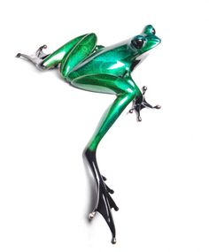 Clover by Frogman. Limited edition bronze sculpture by Tim Cotterill - Aka. The Frogman. Available at www.artworx.co.uk