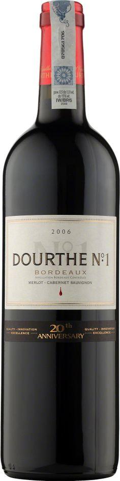 Dourthe No 1 Bordeaux A.O.C. Rouge Wyselekcjonowane wina Dourthe N°1, podobnie jak Bordeaux klasy grand cru, dojrzewają przez rok w nowych dębowych beczkach w piwnicach Dourthe w Parempuyre. Taniny zawarte w drewnie łączą się harmonijnie z taninami wina, nadając mu łagodny smak i podkreślając jego wykwintny bukiet. To wino o bogatym, wyrazistym, doskonale wyważonym smaku, który rozwinie kilkumiesięczne leżakowanie w butelkach. #Wino #Bordeaux #Winezja Saint Emilion, Grand Cru, Cabernet Sauvignon, Bordeaux, Red Wine, Alcoholic Drinks, Bottle, Alcoholic Beverages, Flask