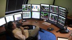 Forex Software - Best Trading Software With Risk Management Forex Trading Software, Online Forex Trading, Trading Desk, Money Trading, Day Trader, Casa Bunker, Stock Market Courses, Computer Setup, Computer Workstation