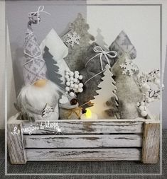 Silver Christmas, Country Christmas, Christmas Art, Christmas Decorations, Xmas, Christmas Ornaments, Holiday Crafts, Holiday Decor, Hacks Diy