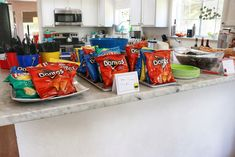 Go Go Power Rangers! How to Throw a Mighty Morphin' Power Rangers-Themed Birthday Party Slumber Party Snacks, Birthday Party Snacks, Superhero Birthday Party, 6th Birthday Parties, Birthday Ideas, Green Power Ranger, Power Ranger Party, Power Ranger Birthday, Party Food Themes