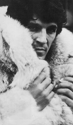 '70s Fur Ad manfurs