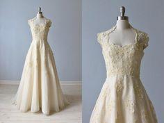 1970s Wedding Dress / 70s Wedding Gown / Sleeveless / Lace and Chiffon /  Priscilla of Boston