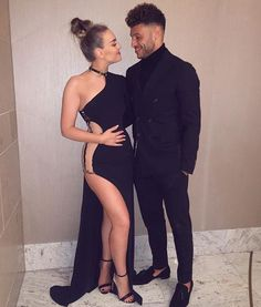 Perrie and her new boo ✨
