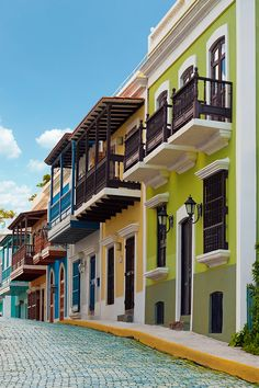 Home to old-world charm, great shopping, and delicious food, Old San Juan is a must-see on any Puerto Rico getaway. Vacation today with JetBlue Getaways (air + hotel).