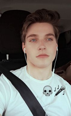 [ closed w/ froy ] i was driving down the road. i got a text from you and i went to text you back. i wasn't paying attention to the road at this moment. next thing i know i crash into a ditch and get slung through the windshield.
