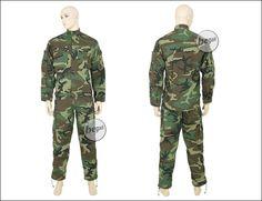 US woodland combat suit