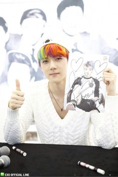 130608 EXO Official LINE account updated with their individual photo at Busan Fansign -Sehun