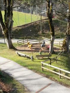 #Rekalino #Spielplatz im #Reka #Feriendorf #Hasliberg Four Square, Sidewalk, Playground, Travel Advice, Viajes, Side Walkway, Sidewalks, Pavement, Walkways