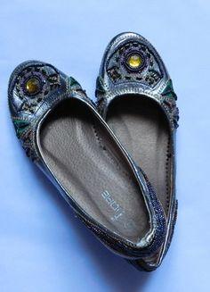 Kup mój przedmiot na #vintedpl http://www.vinted.pl/damskie-obuwie/balerinki/15956674-fiore-balerinki-srebrne-koraliki-36