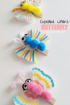 Cute butterfly craft for kids. Easy spring craft project for preschool, pre-k, and kindergarten kids. Easy butterfly craft that kids can make. Simple spring theme arts and crafts project for preschool and kindergarten kids. Spring Crafts For Kids, Craft Projects For Kids, Easy Crafts For Kids, Arts And Crafts Projects, Creative Crafts, Fall Crafts, Art For Kids, Kids Diy, Craft Ideas