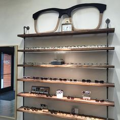 Eye Q Optometry - Opticien à Buckman Eye Q Optometry, Optometry Office, Clinic Interior Design, Clinic Design, Eyewear Shop, Store Layout, Optical Shop, Retail Store Design, Retail Interior