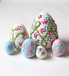 Some More Crochet Easter Eggs – Zeens and Roger