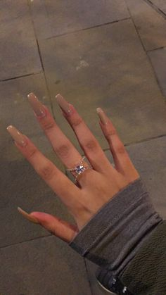 Shared by -me; Find images and videos about nails, ring and rings on We Heart It - the app to get lost in what you love. Bling Acrylic Nails, Simple Acrylic Nails, Summer Acrylic Nails, Best Acrylic Nails, Summer Nails, Brown Acrylic Nails, Long Square Acrylic Nails, Long Square Nails, Tapered Square Nails