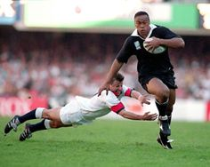 Jonah Lomu leaving Rob Andrew behind in the quarter final of the Rugby World Cup 1995.