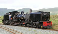 Beyer-Garratt articulated locomotive, articulated in three sections with the boiler between two steam engines. South African Railways 2 ft mm) gauge SAR NGG 16 Class Garratt, preserved in operating condition on the Welsh Highland Railway Locomotive Diesel, Steam Locomotive, Orient Express, South African Railways, Heritage Railway, Old Steam Train, Steam Railway, Bonde, Train Art