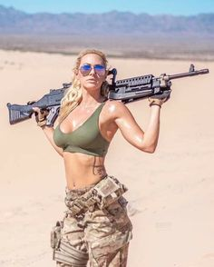 I just finished my 8 mont of army. Military Girl, Female Soldier, Warrior Girl, Military Women, N Girls, Bikini Girls, Fitness Inspiration, Guns, Photography