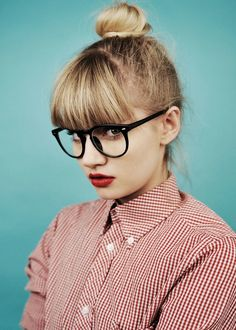 Martina Dimitrova by Vasil Germanov for 12 Mag. red lips bangs glasses and a red gingham button down! Bangs And Glasses, Big Glasses, Girls With Glasses, Foto Cv, Lunette Style, Beauty Editorial, Geek Chic, Who What Wear, Hair Inspiration
