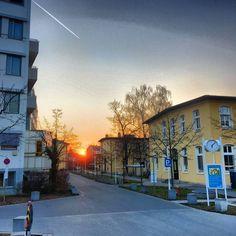 Ohne allzuviele Worte: der #Sonnenuntergang am #KlinikumNord in St. #Johannis. Schönen Abend euch! (rh/job) #nürnberg #nuremberg #nbg_sunsets #sunset_madness #sunsetlovers #sunsetporn #sunrise_sunsets_aroundworld #sunsetsniper #abendrot #igersnürnberg #nordbayern_de #zeigedeinnürnberg #igersfranconia #srs_germany #imagephilia #diewocheaufinstagram #the_visionaries #illgrammers #ig_deutschland #ic_wow #pureromance #explore_johannis by nuernberg_de