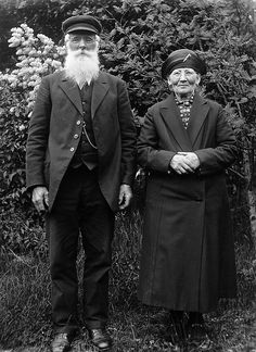 Mr and Mrs Andersson, Skederid, Uppland, Sweden.   The verger Andersson, born in 1858, and his wife. Photograph by: Einar Erici. Date: 1930s