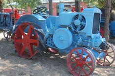 verzameling oldtimers bij Saint-Livrade-sur-Lot Tractors, Saints, Vehicles, Car, Vehicle, Tools