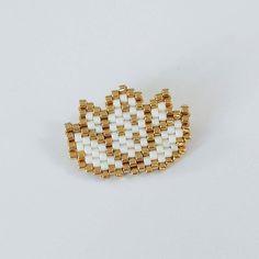 Broche Fleur de lotus en perles miyuki : Broche par liliazalee