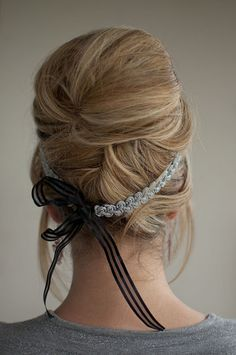 LOVE this idea and crafty hair tie