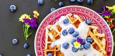 Buckwheat Waffles with Blueberry Cream – Cream Waffles … - Beleuchtung Knitting Socks, Free Knitting, Buckwheat Waffles, Knit Dishcloth, Craft Bags, Knitting Accessories, Free Sewing, Drops Design, Gluten Free Recipes