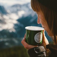 sanborncanoecompany:  Sweet shot from @joelbearstudios with one if our enamel mugs at 13,000 ft. #ScoutForth folks!