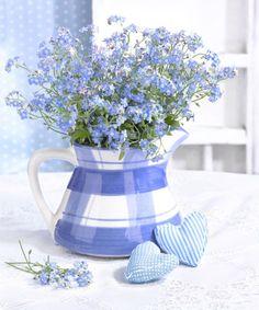 periwinkle blue flower arrangement, pantone little boy blue, bright blue – Bouquet Of Sunflowers
