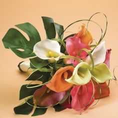 love the big green palm leaf for the bottom of the bouquet Tropical Flowers, Summer Flowers, Diy Flowers, Flower Decorations, Beautiful Flowers, Wedding Decorations, Calla Lily Bouquet, Calla Lillies, Floral Wedding