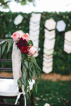 Floral Design: Amy Harvey Designs - http://www.stylemepretty.com/portfolio/amy-harvey-designs Photography: Izzy Hudgins Photography - izzyhudginsblog.com Read More on SMP: http://www.stylemepretty.com/2014/10/22/romantic-georgian-wedding-inspiration/