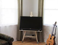 Tv Easel / Stand
