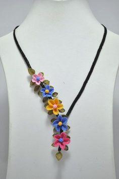 vintage pink blue yellow mini floral necklace,blue necklace,colorful necklace,pink necklace,yelow floral necklace,bib,crochet necklace