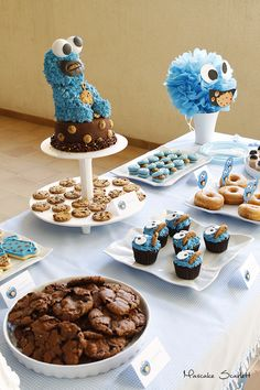 COOKIE MONSTER MONSTRUO DE LAS GALLETAS MESA DULCE DESSERT TABLE CANDY BAR CAKE CUPCAKES