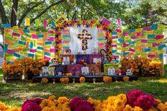 Exhibición de altares de muertos en San Pedro de Pinta, San Pedro GG NL MEX