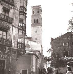 Torre de la iglesia de San Andrés, Teruel, 1945 Notre Dame, Building, Travel, Places, St Andrews, Zaragoza, Antique Photos, Towers, Cities